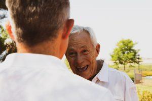 10 errores típicos al cuidar a mayores